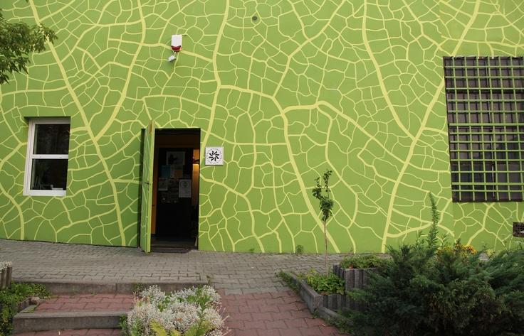 EKOMURAL, ul. Lipowa, Zabłocie, Kraków.  Projekt: Aleksandra Toborowicz http://pinterest.com/moorale/ekomural/
