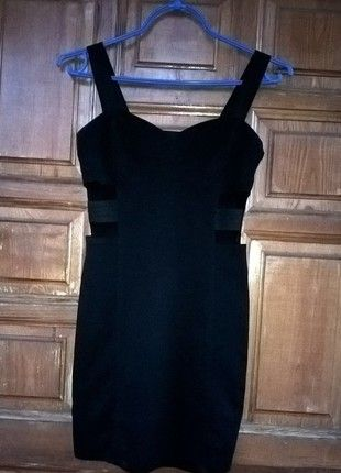 Kup mój przedmiot na #vintedpl http://www.vinted.pl/damska-odziez/krotkie-sukienki/12189783-czarna-sukienka-hm-rozmiar-s