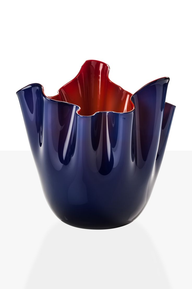Fazzoletto Venini in vetro bicolore blu mare rosso. IN NEGOZIO E ONLINE www.allegranzi.com