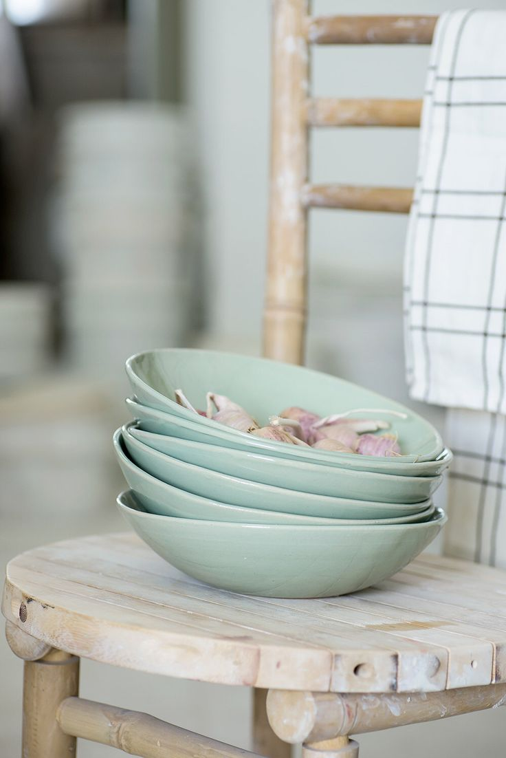 Aqua Green Pasta Bowls, Ceramic Serving Bowl, Soup Bowl Set of 4, Ceramic Mixing Bowls, Wedding Gift door 1220CeramicsStudio op Etsy https://www.etsy.com/nl/listing/246907953/aqua-green-pasta-bowls-ceramic-serving