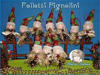 Pignolini, piccoli folletti natalizi,...come segnaposto o per addobbare pacchi regalo e albero di Natale.