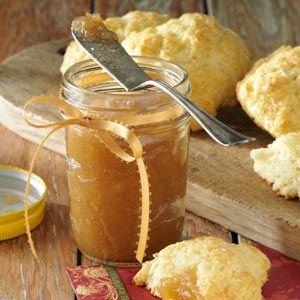 kookossokerilla ja kanelilla maustettu omenahilloke..