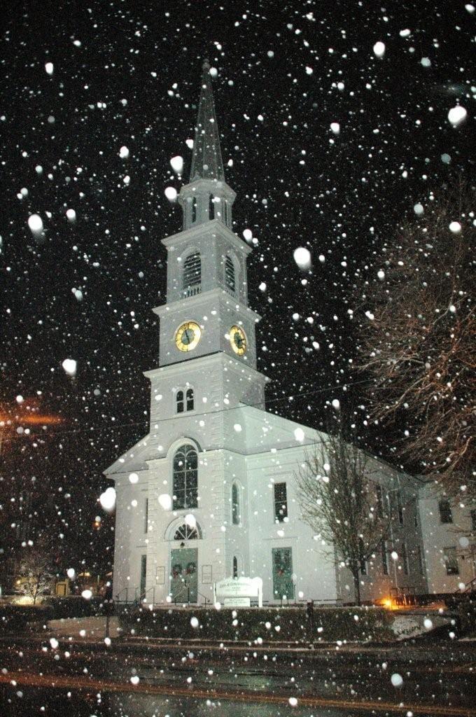Beautiful+Scene+Falling+Snow   Beautiful Winter Scene... snow softly falling, ...   The beauty of Ne ...