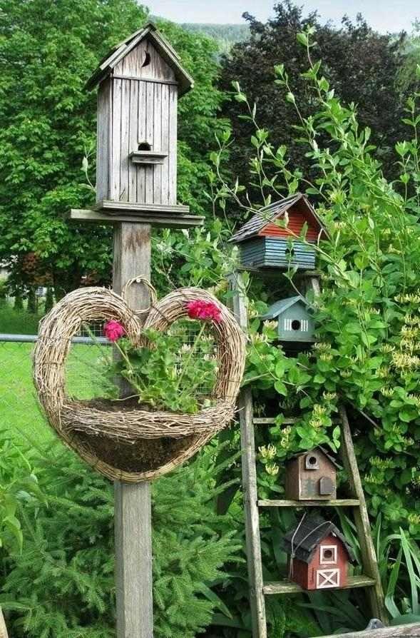 nichoirs et mangeoires oiseaux en bois à mettre dans le jardin