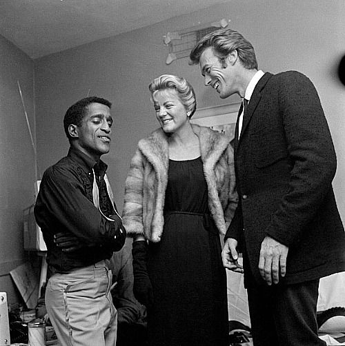 a biography of sammy davis jr Sammy davis jr had a secret love child who he brought up as his adopted son, dailymailcom can reveal today the entertainer, who died 25 years ago, always told friends and family that mark.