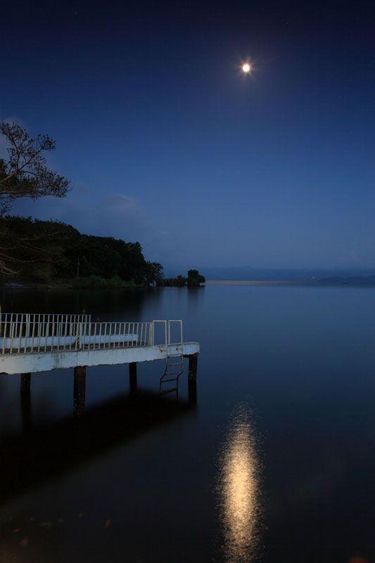 A beautifully still night at Laguna de Catemaco - Veracruz, Mexico