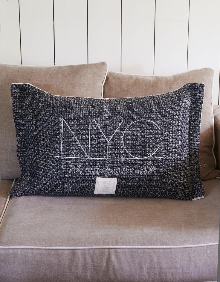 Подушка из коллекции New York