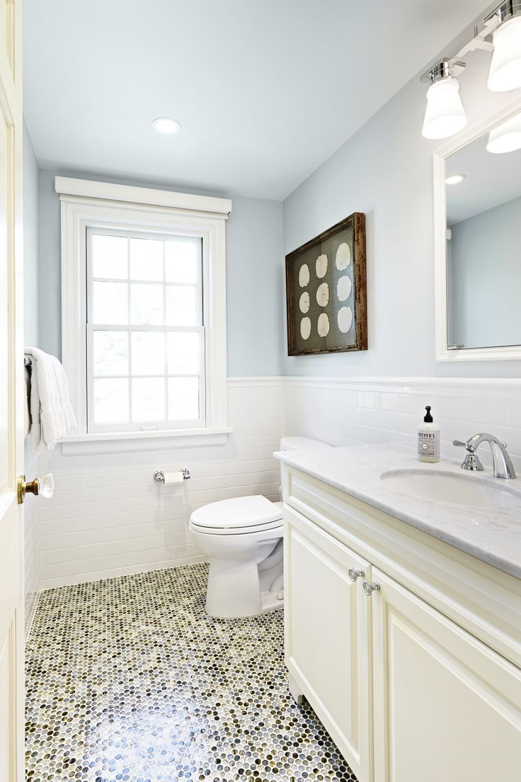 This design will make your bathroom feel large.