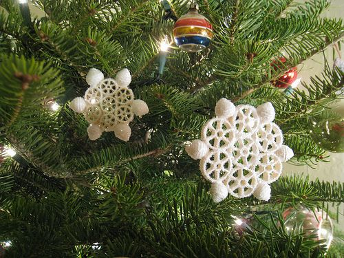 Macaroni Snowflake Ornaments  – Large & small wagon wheels, small shells, & fiori (flower shaped pasta).