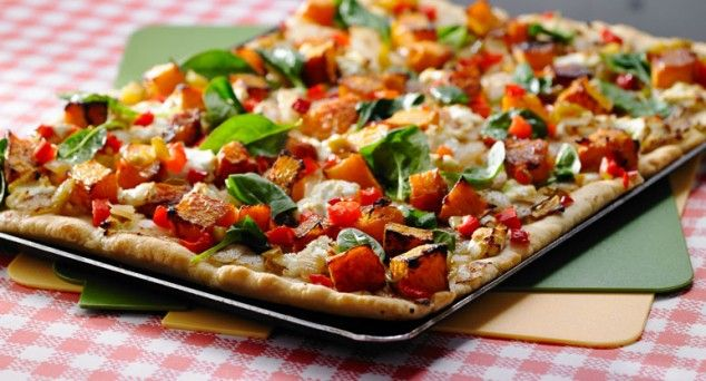 Friday night means one thing – pizza! Try this Pumpkin and Goats Cheese Pizza tonight