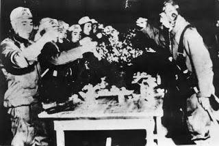 Borzalmas 2. világháború Képek - japán kamikaze | Világháború történetek