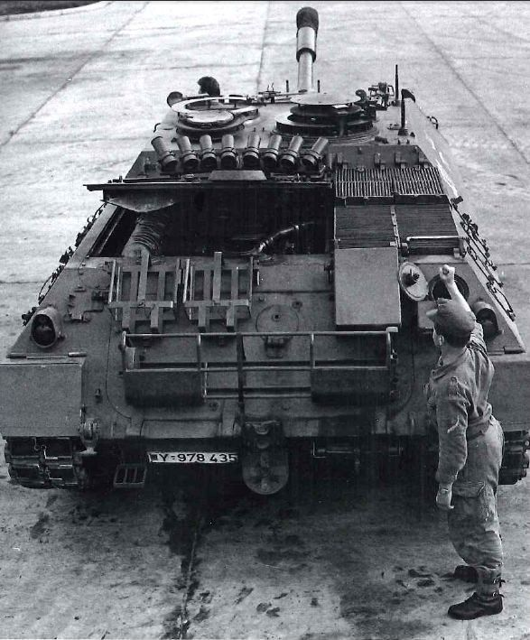 Kanonenjagdpanzer 90- View of the back