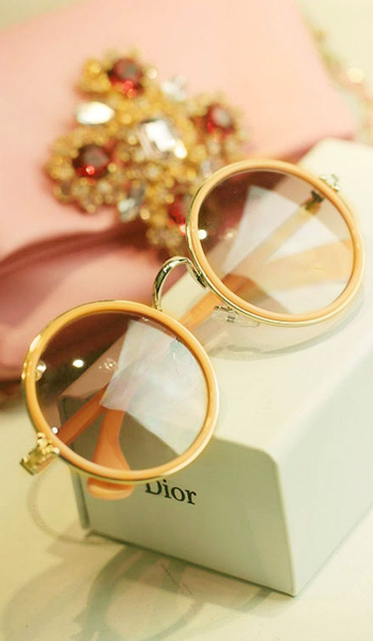 60s-Inspired Dior Sunnies. Always love a little throwback!