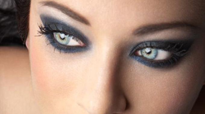 1000 Id Es Propos De Yeux De Biche Sur Pinterest Chat Maquillage Des Yeux Eye Liner Aile