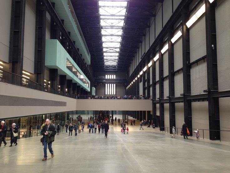 Take pictures down the Turbine Hall - Tate Modern in London, Greater London