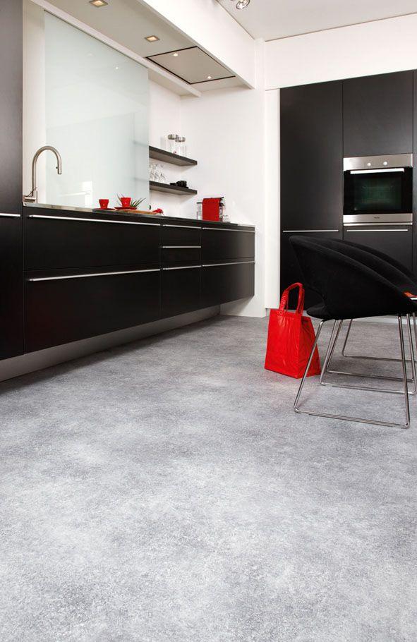 Modern, strak en onderhoudsvriendelijk. Ambiant vloer in de #keuken. #kitchen