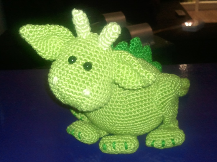 Amigurumi Monsters Tessa Van Riet : Otto de draak. Het patroon komt uit amigurumi & more van ...