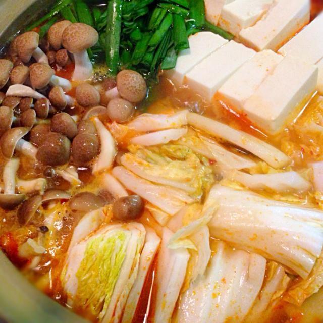 暑い日こそ鍋(^^)〆にラーメンがおすすめです - 26件のもぐもぐ - キムチ鍋 by micciewaori