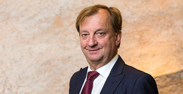 Liikemies ja kansanedustaja Hjallis Harkimo lomaili viitisen vuotta sitten silloisen kihlattunsa ja lastensa kanssa Etelä-Afrikassa. Loma loppui, kun Hjallis sai sydänkohtauksen.