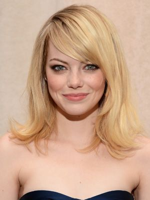 Emma Stone. Hairstyle for round face.