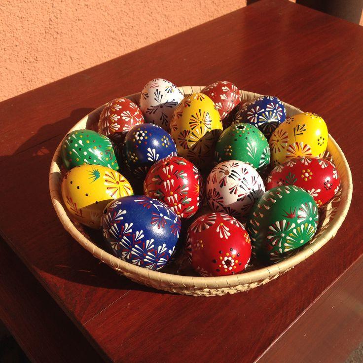 Easter eggs (wax technique)