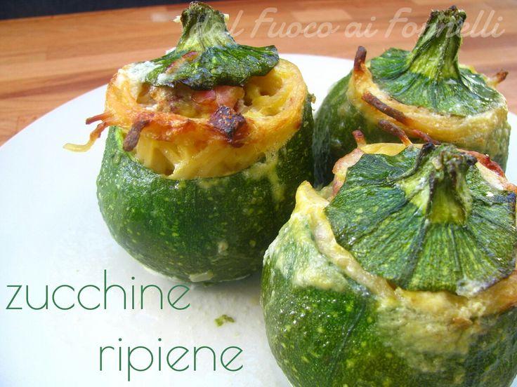 Ecco una ricetta per far apprezzare le verdure anche ai bimbini: zucchine ripiene di linguine con crema di zucchine stesse e pancetta.