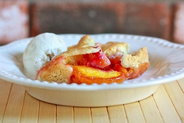 Peach cobbler 01 by ree drummond the pioneer woman via flickr