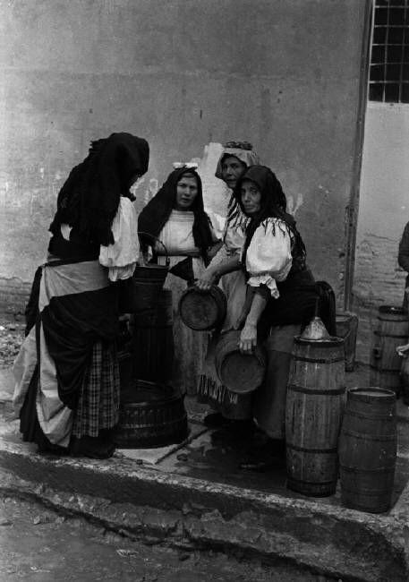 Henri Cartier-Bresson ITALY. Basilicata. Pisticci. 1951. Magnum Photos
