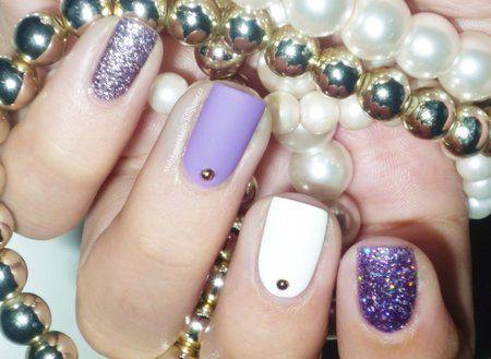 Silver, white & violet ? #voilet #bluenails #manicure #nailart -bellashoot.com