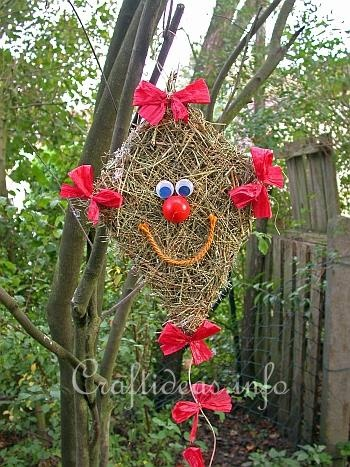 A decorative hay kite!!....and so many, many more creative crafts for every season or theme!