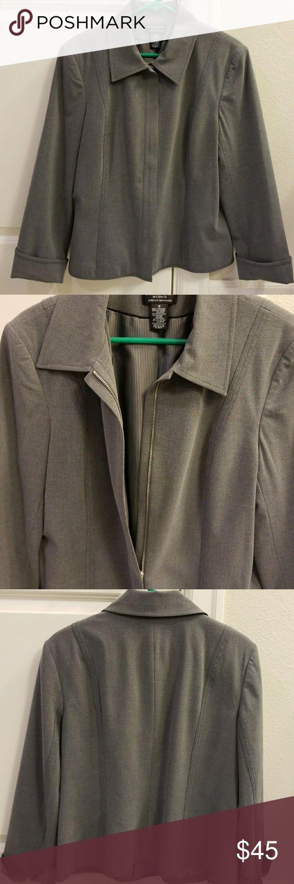 Heather Gray Blazer Very professional heather gray zip up dress jacket/blazer.  Excellent condition! Striped lining, zippered front, folding sleeves. Worthington Jackets & Coats Blazers