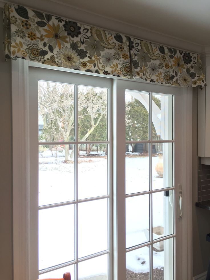 patio door window treatment using a simple decorative box pleat valance in a fun fabric - Patio Door Ideas
