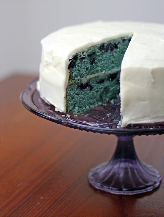 blueberry_velvet_cake_plated