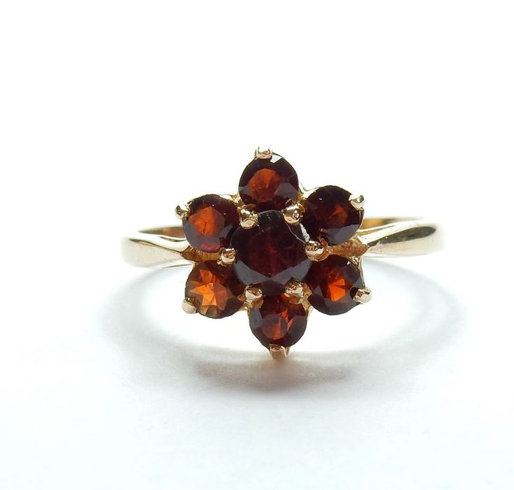Vintage London 1980 9 Carat Yellow Gold Garnet Daisy Flower Cluster Ring 2.6g #Cluster