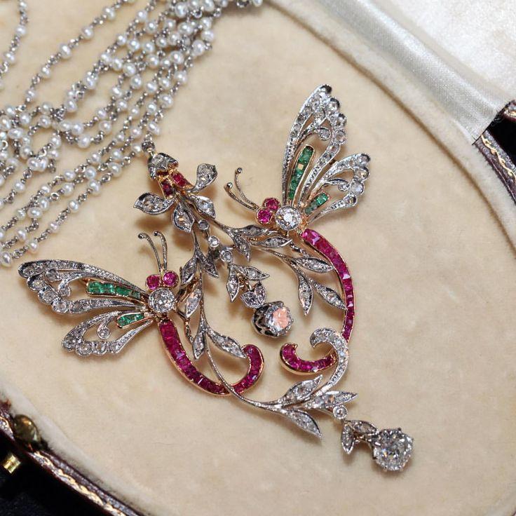 Art Nouveau double Dragonflies diamond brooch pendant