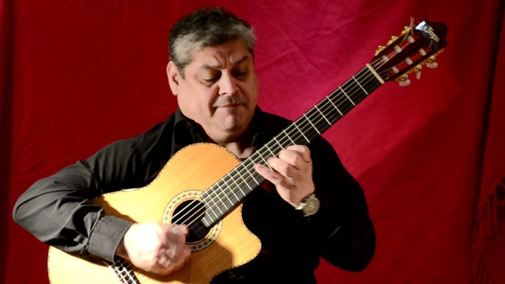 Juan Pablo Lopez plays Csardas Monty on guitar