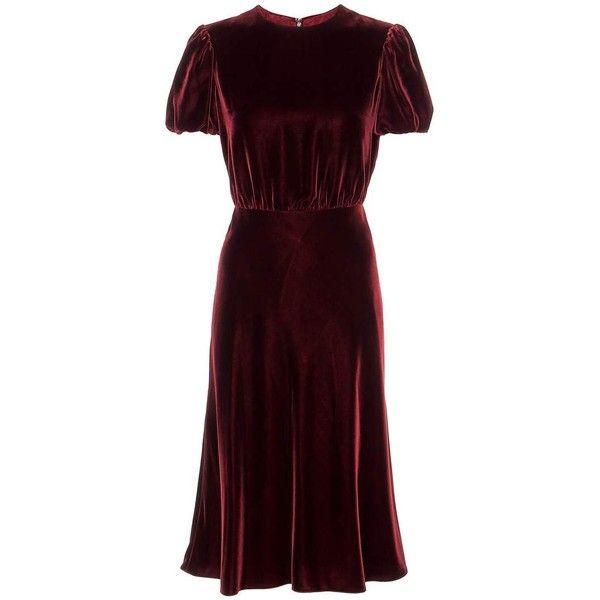 Valentino Velvet Dress (234.880 RUB) ❤ liked on Polyvore featuring dresses, valentino, velvet, vestidos, robe, red, brown velvet dress, velvet dress, red velvet cocktail dress and red cocktail dress