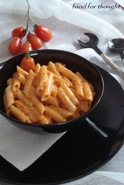 Food for thought: Πένες με ροζ σάλτσα από ντομάτα και τυρί κρέμα