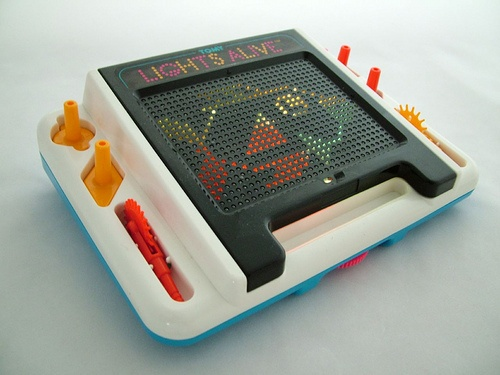 VINTAGE RETRO TOMY LIGHTS ALIGHT ELECTRONIC GAME ALL PARTS & WORKING & BOX