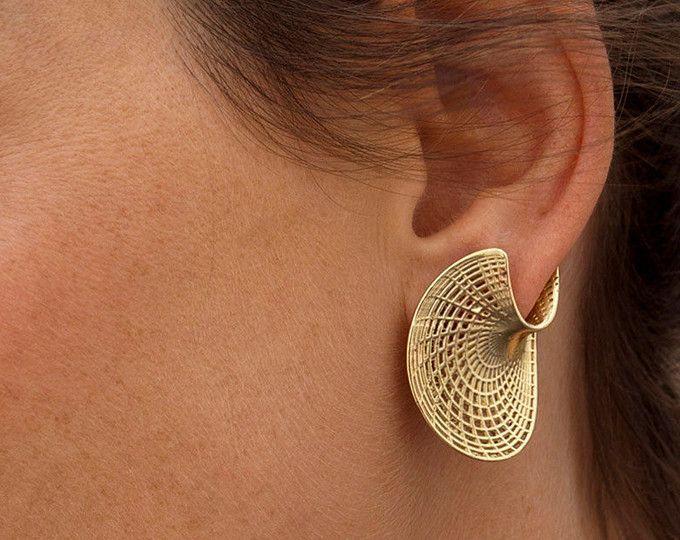Unique Gold Earrings - 14K Gold Studs Earrings, Twisted Earrings, Amorphous Disk Earrings, Solid Gold Stud Earrings for Women, Geometric Net
