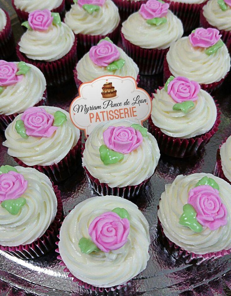 Cupcakes decorados con rosas de azucar