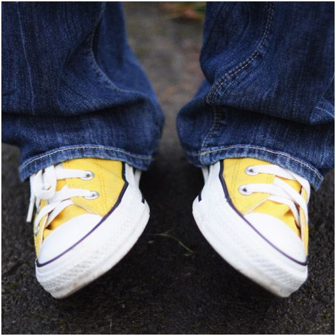 I need these yellow Chuck Taylor Converse sneakers!