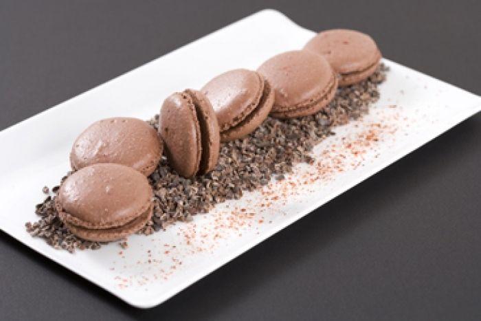 Recette de Macaron au chocolat et au piment d'Espelette, Macaron moelleux au chocolat, farci d'une ganache chocolat et piment d'Espelette.