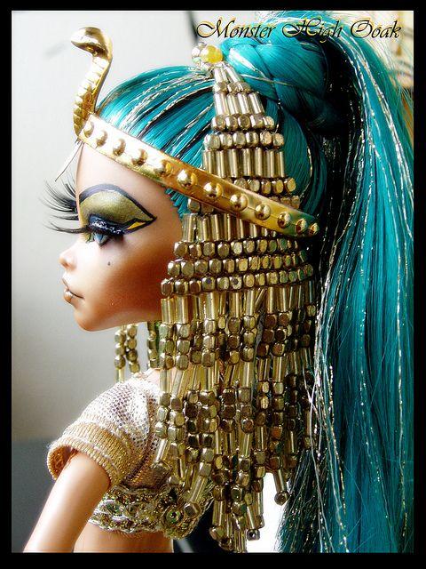 Great idea for a Halloween costume! Egyptian Goddes Monster High OOAK