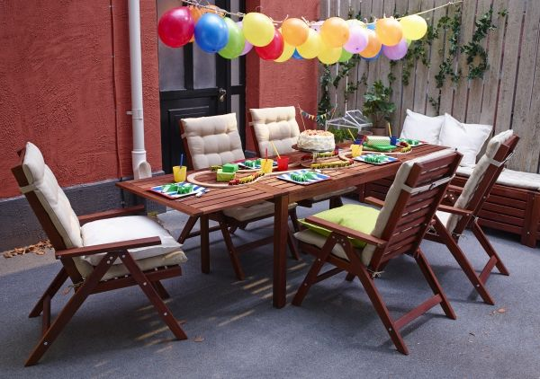 Bring A Splash Of Color To Your Outdoor Dining E With The Ikea RoxÖ Series Made Steel And Coated In Plastic Powder They Re Durab