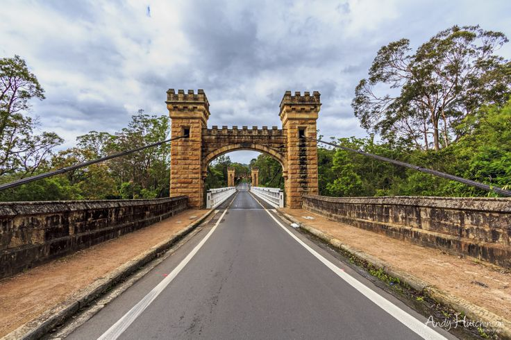 Built in 1898, this is the oldest suspension bridge in Australia. Rent a kayak and explore the Kangaroo River below it.