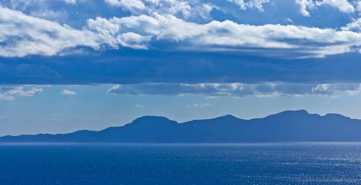Mallorca - Frühlingswolken über dem Mittelmeer