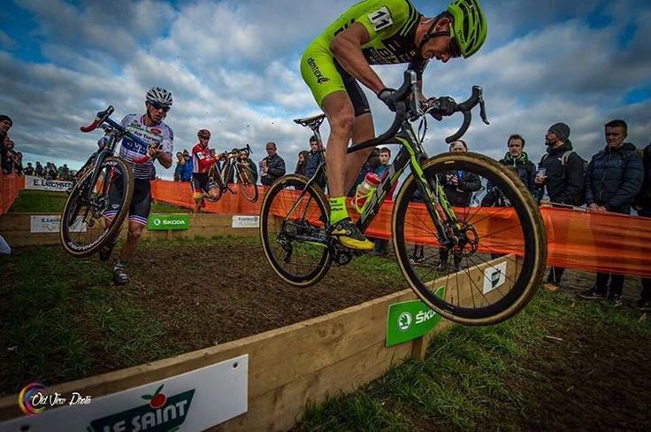 @victor_koretzky 💪🏻🌪 📸 @oldviewphoto  #Lanarvily2017 #Lanarvily #cyclisme #cycling #ciclismo #VictorKoretzky #Koretzky #BHSuntour #Bh #BhBikes #CX #cyclocross #ciclocross #Breizh #Bretagne #Ekoï #OldViewPhoto #InstaGazette #Gazette