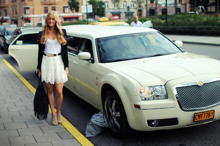 The limousine was waiting outside the hotel in Stockholm, Sweden to take Christina to the shoot! Yves Rocher - AutumnLooks 2012