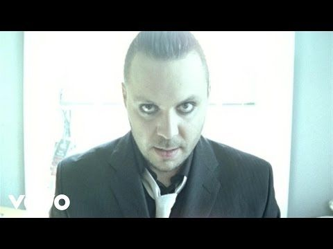 Music video by Blue October performing Hate Me. (C) 2006 Universal Records a division of UMG Recordings Inc.